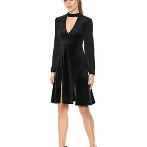 JACK BB Dakota Black Sherwood Deep V Velvet Dress